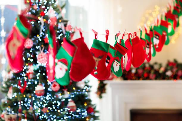 크리스마스는 아이 들을 위한 선물. 강림 절 달력입니다. - 장식함 뉴스 사진 이미지