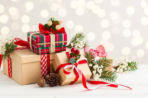 weihnachts geschenke - weihnachtsideen stock-fotos und bilder
