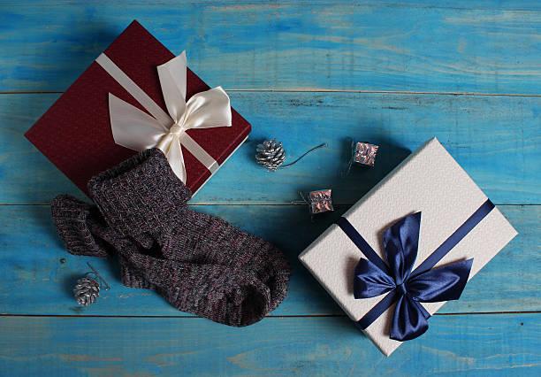 hadiah natal - socks gift  potret stok, foto, & gambar bebas royalti