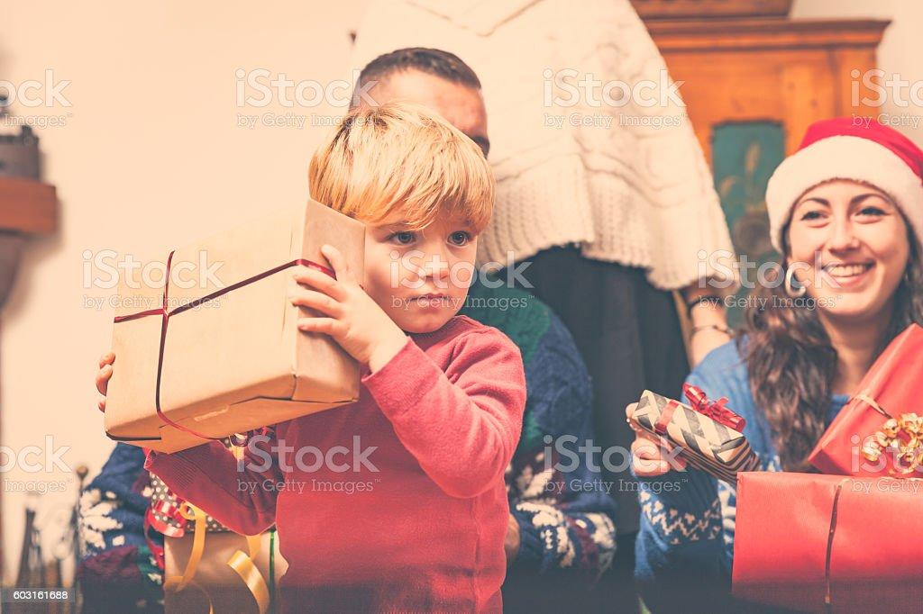 Regali Di Natale 5 Anni.Regali Di Natale Fotografie Stock E Altre Immagini Di 4 5