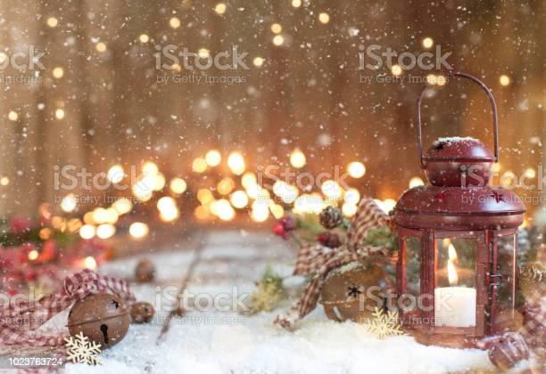 Christmas red lantern on an old wood background picture id1023763724?b=1&k=6&m=1023763724&s=612x612&h=7tg6hiamhuf20rg6rovr boucx0 6acsvu jo5fjy7y=