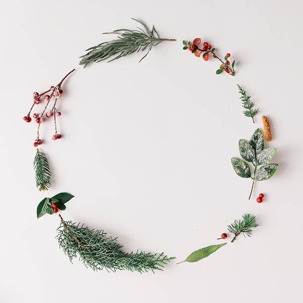 Christmas round frame made of natural winter things. – Foto