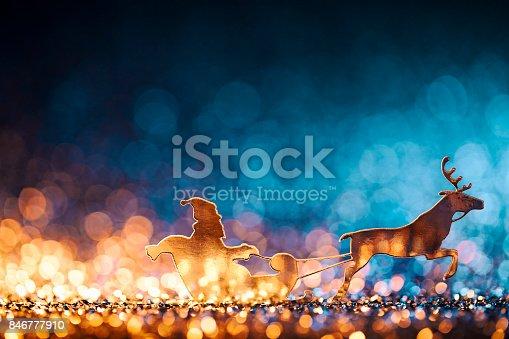 istock Christmas Santa Sleigh and Reindeer - Backgrounds Defocused 846777910