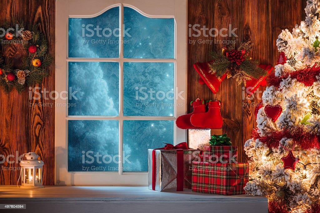 Regali Di Natale Frozen.Scena Di Natale Con Albero Regali E Surgelati Finestra Sullo Sfondo