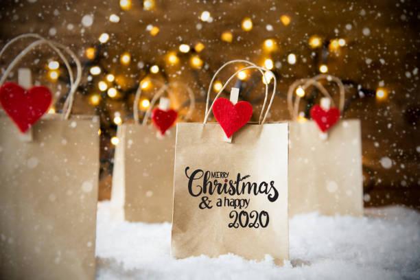 Weihnachts-Einkaufstasche, Schnee, Schneeflocken, Frohe Weihnachten und glücklich 2020 – Foto