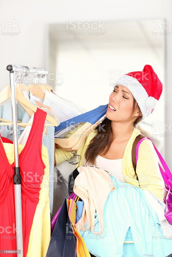 クリスマスショッピングの女性タイアード ストックフォト