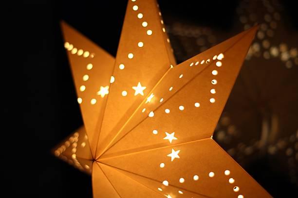 weihnachten sterne - - weihnachtssterne aus papier stock-fotos und bilder