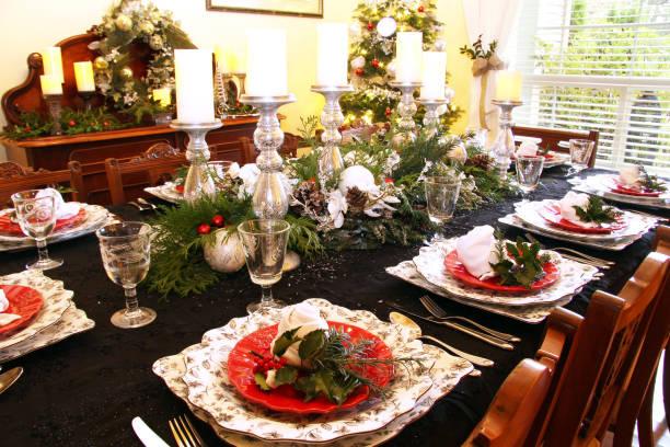 weihnachten tabelle einstellung - esszimmer buffet stock-fotos und bilder