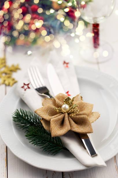 weihnachten tabelle einstellung - griechische partyspeisen stock-fotos und bilder