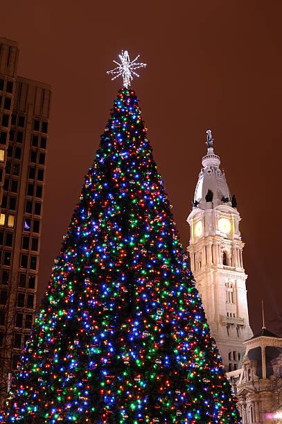 Kennedy Plaza Christmas Tree Lighting 2021 122 John F Kennedy Plaza Philadelphia Stock Photos Pictures Royalty Free Images