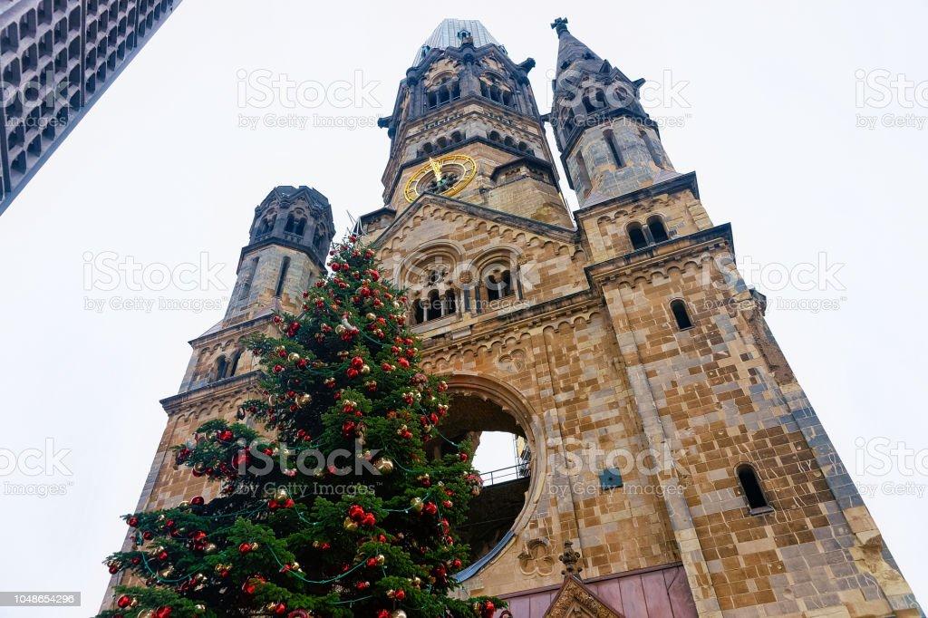 Weihnachtsbaum Berlin.Weihnachtsbaum Und Kaiserwilhelmgedächtniskirche In Winter Berlin