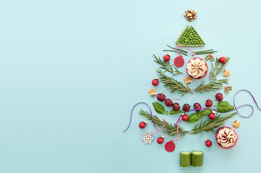 Christmas Tree Background — стоковые фотографии и другие картинки Великобритания