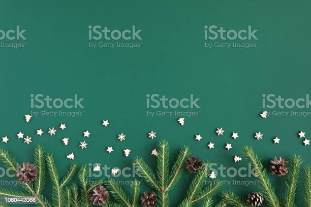 Christmas tree branch frame on green background with copy space picture id1060442066?b=1&k=6&m=1060442066&s=612x612&h=ozeae6ikg3lvbv5ft3q0pfylc43nrlvhxy58vcpcose=