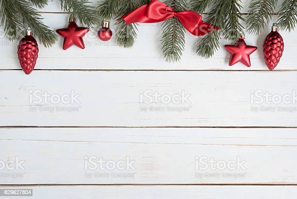 Christmas tree branches border decorations with red ornaments picture id629627804?b=1&k=6&m=629627804&s=612x612&h=2rjqkpmzoffhxd09kw7x1pvyi6ww6 wl3n2o4ruzc5s=