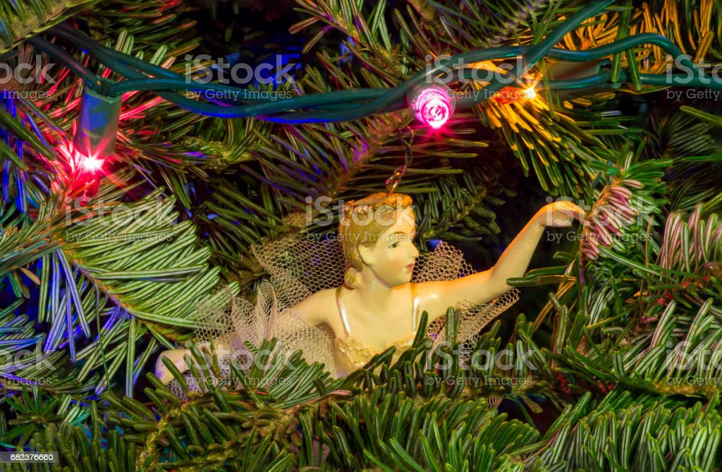 Christmas tree detail with angel decoration photo libre de droits
