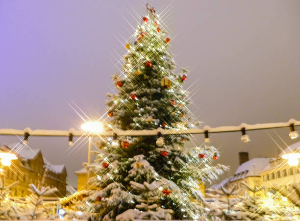 Christmas Tree Erlangen Bavaria Christmas Markets Germany erlangen stock pictures, royalty-free photos & images