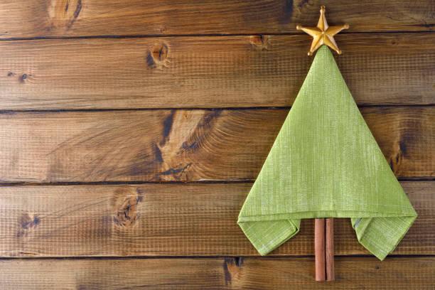 Servietten Falten Weihnachtsbaum Bilder Und Stockfotos