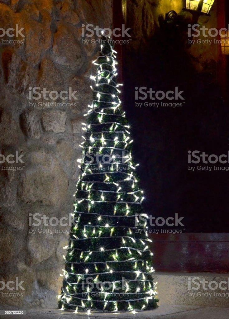 Christmas tree illuminated foto stock royalty-free