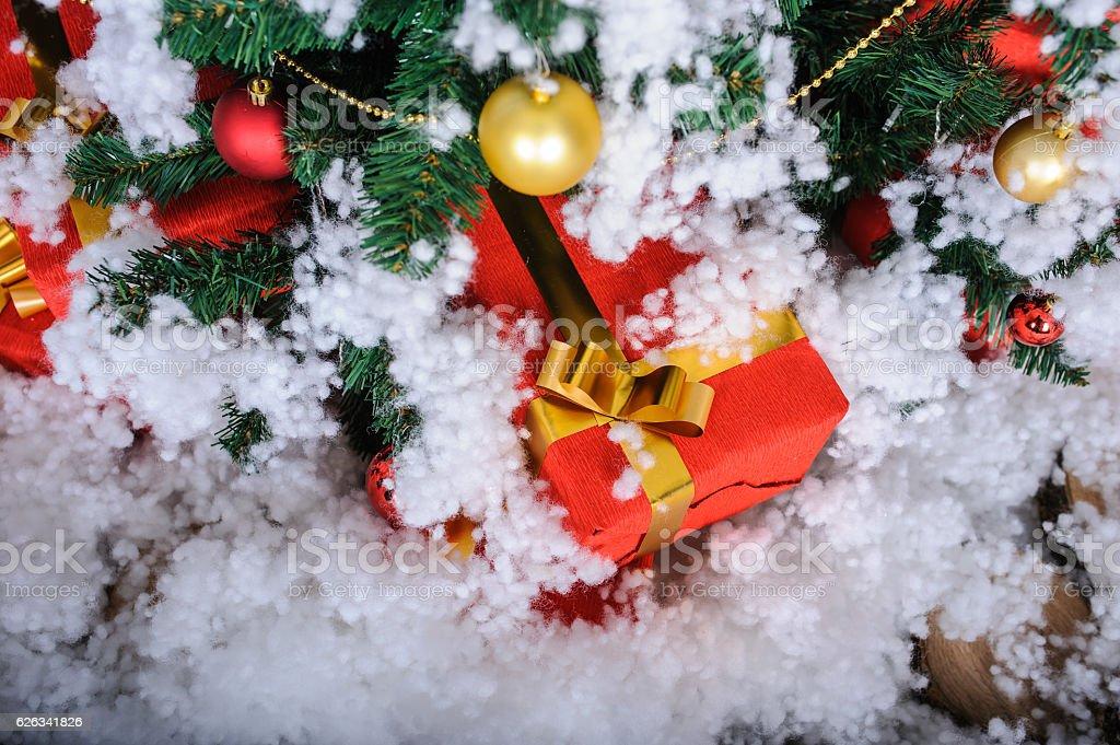 Christmas Tree In Studio Decoration Snow Stockfoto und mehr Bilder ...