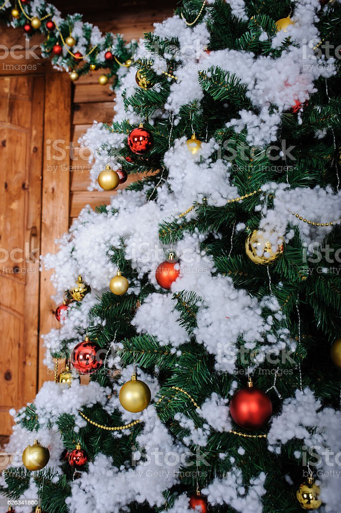 Christmas Tree In Studio Decoration Snow Stock-Fotografie und mehr ...