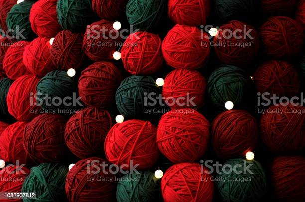 Christmas tree made of wool balls of various colors picture id1082907812?b=1&k=6&m=1082907812&s=612x612&h=dtl1mufwvzitzxqyo0wjgjmdktoja 7kwfakfcsv87o=