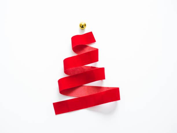 christmas tree red ribbon design on white background - cartolina di natale foto e immagini stock