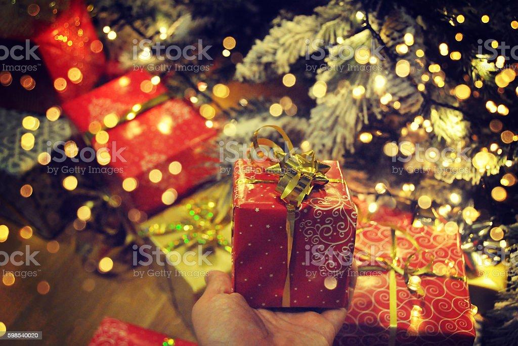 Sapin de Noël avec des cadeaux photo libre de droits