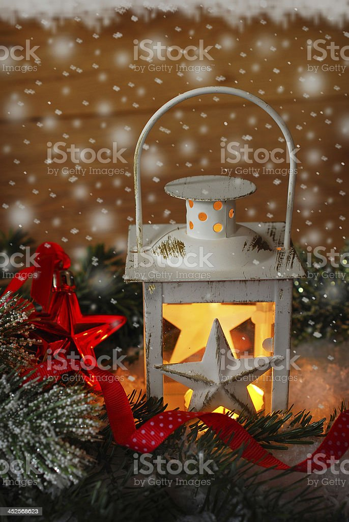 Immagini Vintage Natale.Natale Vintage Lanterna Nella Notte Di Neve Fotografie Stock E Altre Immagini Di A Forma Di Stella Istock