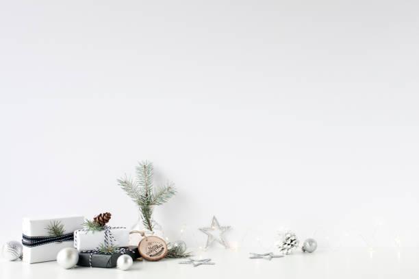 weihnachten wand mock-up. skandinavischen stil. wandkunst. - rosen tee stock-fotos und bilder