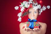 Frau Weihnachten Winter Mit Weihnachtsbaum Frisur Und Makeup