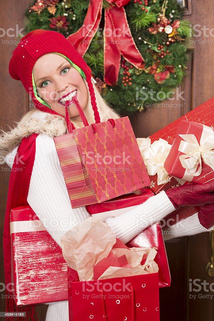 Geschenke Weihnachten Frau.Weihnachten Frau Mit Viele Geschenke Zu Hause Nach Shoppingtag
