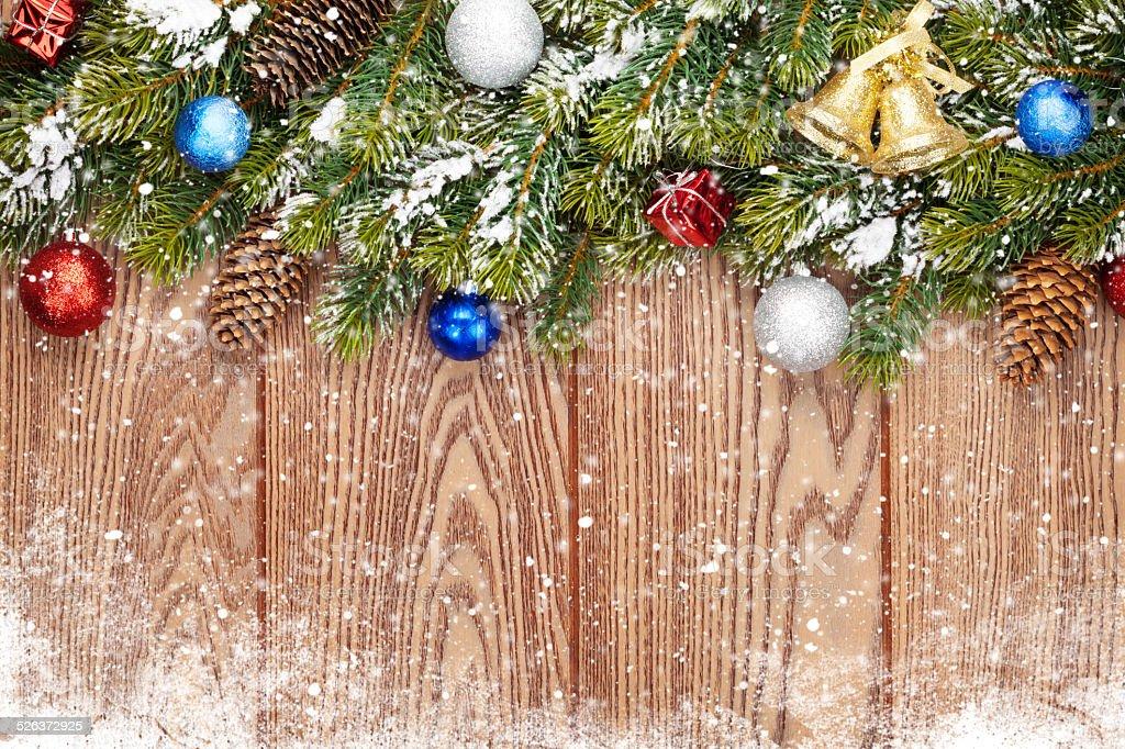 Foto Con La Neve Di Natale.Sfondo In Legno Con La Neve Di Natale Abete E Stile Fotografie Stock E Altre Immagini Di Abete Istock