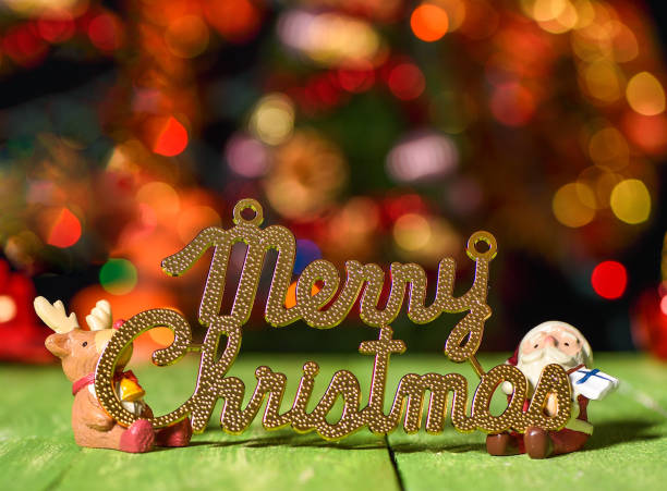 weihnachten wort deocration, santa claus deocration und rentier-deocration - weihnachtsspende stock-fotos und bilder