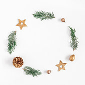 istock Christmas wreath on white background. Flat lay, top view, square 870867898
