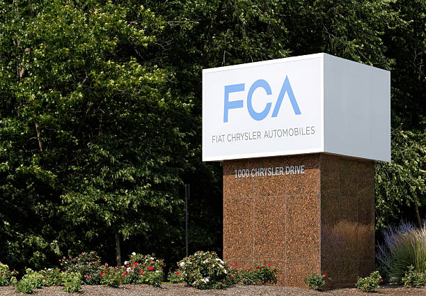 Chrysler World Headquarters Auburn Hills, MI, USA - July 31, 2014: The Chrysler World Headquarters complex in Auburn Hills, MI. The Chrysler Group is a wholly-owned subsidiary of FCA, an Italian multinational company and the world's seventh-largest auto maker. vehicle brand name stock pictures, royalty-free photos & images