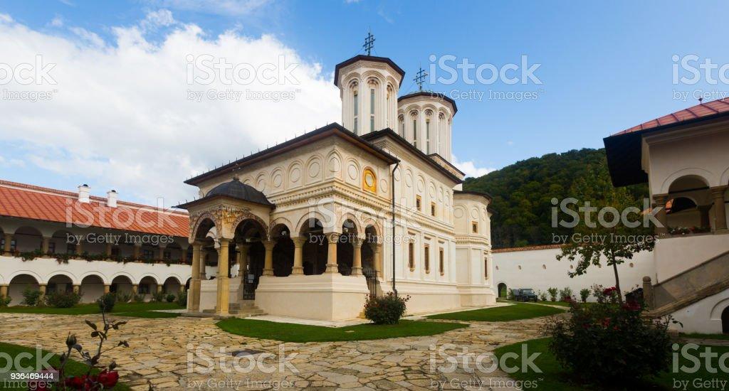 Igreja no mosteiro de Horezu, Romania - foto de acervo