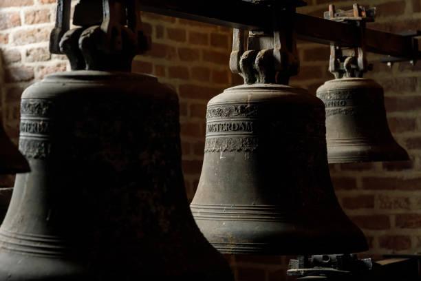 church bells in westerkerk amsterdam nederland - westerkerk stockfoto's en -beelden