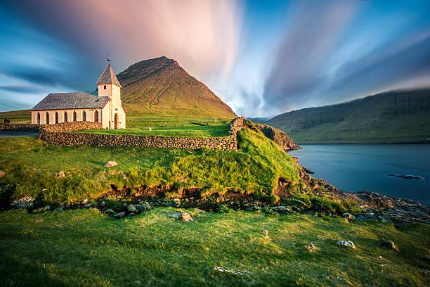 church bordoy, múli, faroe islands - faeröer stockfoto's en -beelden