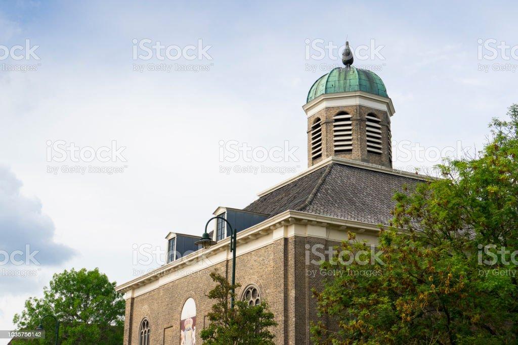 Kerk Dinteloord, Nederland foto