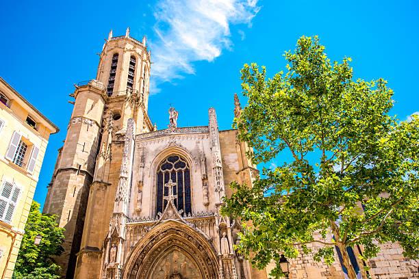 church in aix-en-provence - aix en provence photos et images de collection
