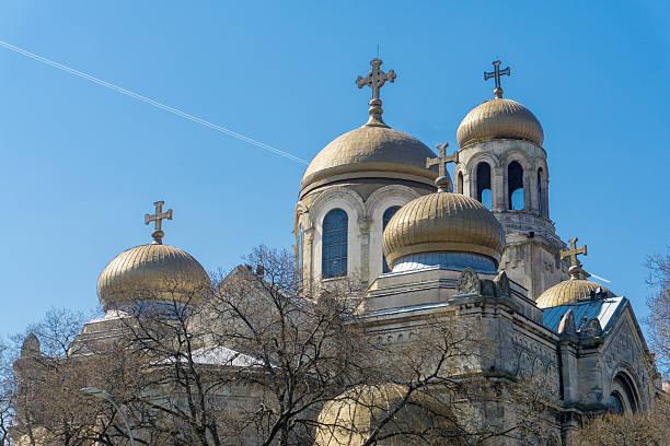 church in varna, bulgaria - modefarben sommer 2016 stock-fotos und bilder