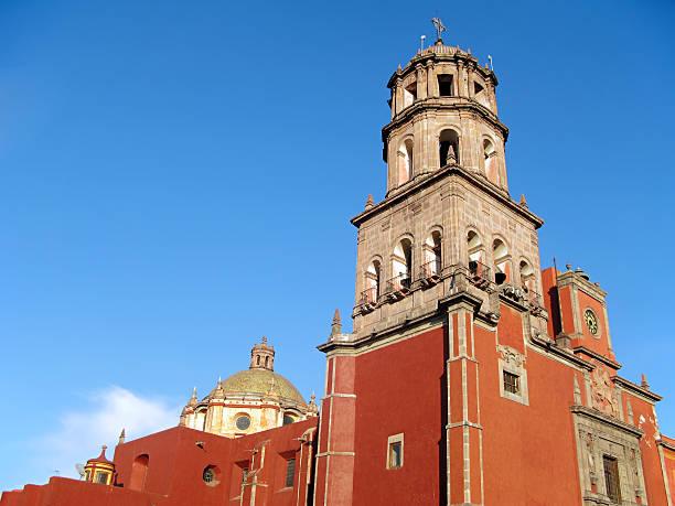 iglesia de san francisco en querétaro, méxico. - queretaro fotografías e imágenes de stock
