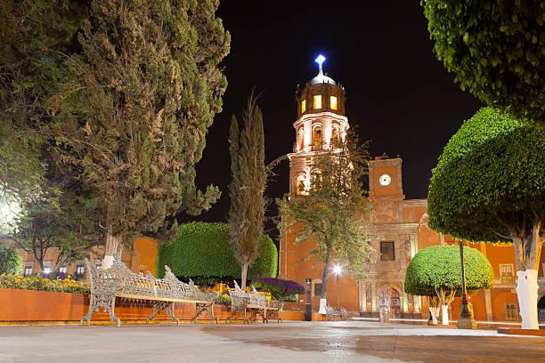 iglesia de san francisco en querétaro, méxico - queretaro fotografías e imágenes de stock