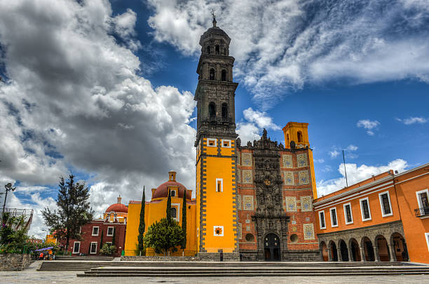 Church of San Francisco Church of San Francisco (Templo de San Francisco) of Puebla, Mexico. Built of quarry tile and brick, the temple was completed in 1767. puebla state stock pictures, royalty-free photos & images