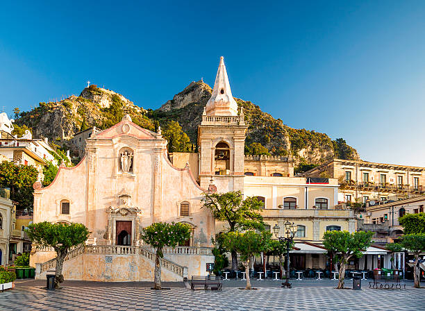church of san giuseppe in taormina - taormina stock-fotos und bilder