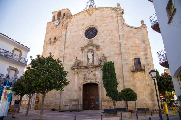 Church of Sant Vicenc in Tossa de Mar. Chapel with a statue of the mother of God in the city center. – zdjęcie