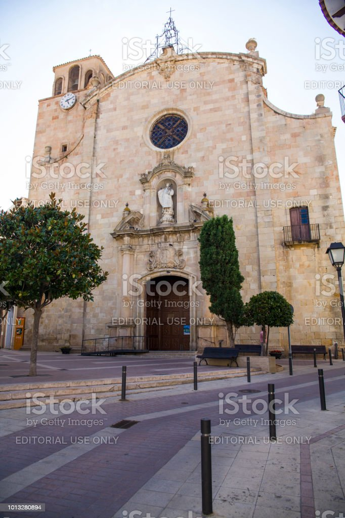 Eglise de Sant Vicenc à Tossa de Mar. chapelle avec une statue de la mère de Dieu dans la ville centre. - Photo