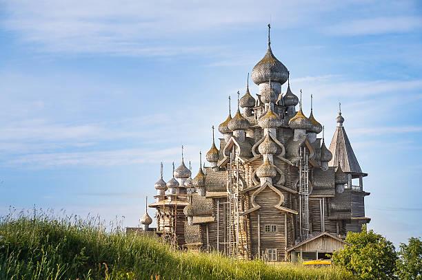 kirche des transfiguration-insel kizhi, russland - russisch orthodoxe kirche stock-fotos und bilder