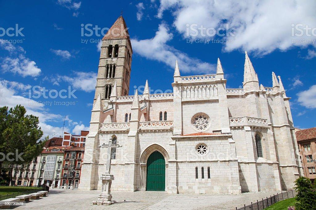 Iglesia De Santa Maria La Antigua En Valladolid Foto De Stock Y Mas