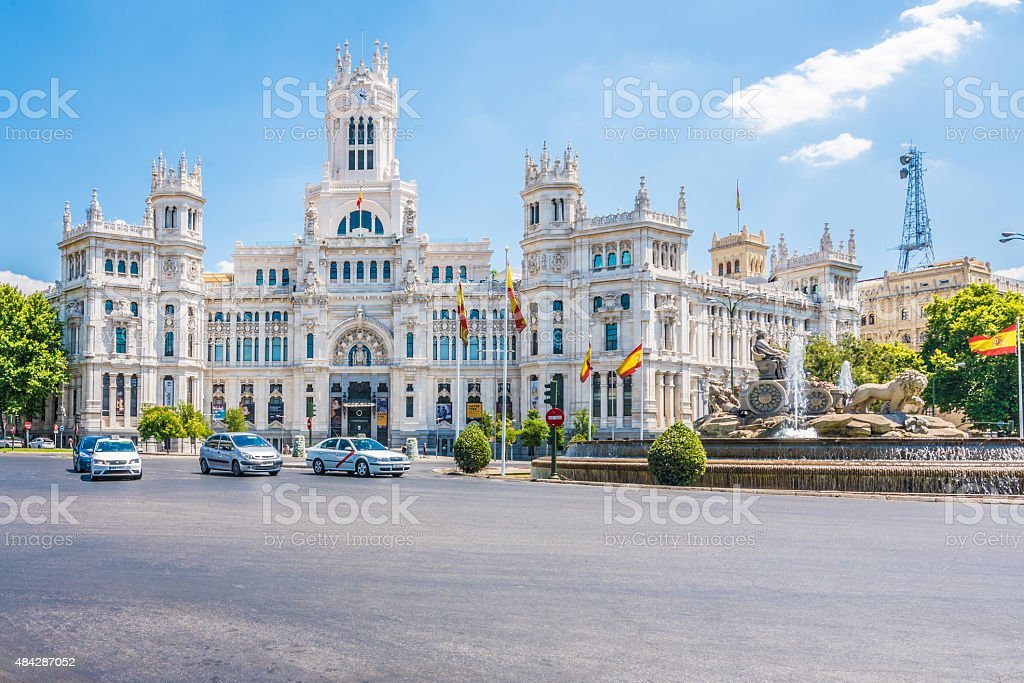 Cibeles Fountain and the Cybele Palace, Madrid, Spain